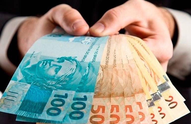 Contratar empréstimos é uma prática comum para muitos brasileiros, Saiba como evitar descontroles!