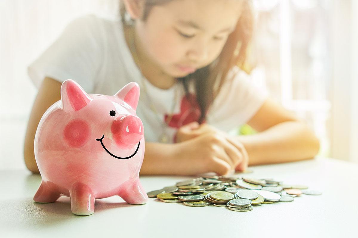 Ensine seu filho a lidar com o dinheiro.
