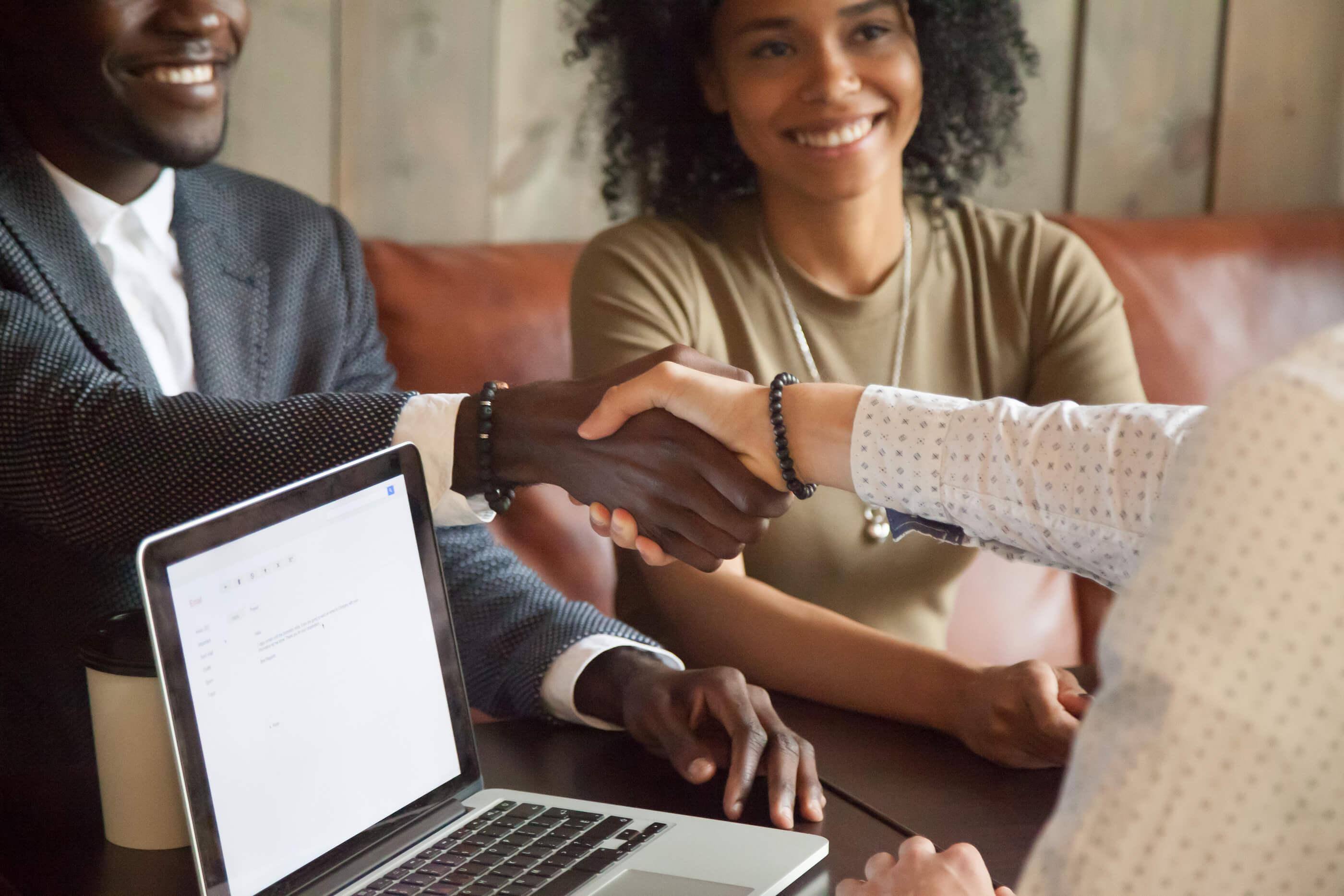 Conheça as vantagens do crédito consignado.